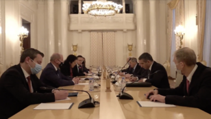 Egymillió ember beoltására elég vakcinát vesz Magyarország az oroszoktól