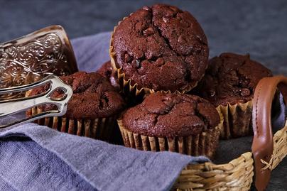 Isteni, tripla csokis muffin: rengeteg csokoládé és kakaó gazdagítja