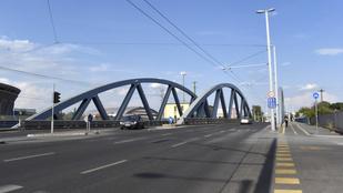 A BKK és a MÁV járatait, valamint az autósforgalmat is korlátozzák péntek este a Kerepesi úton
