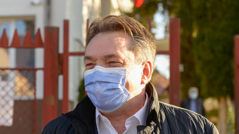 László Attila: Romániában év végére oltható be 10 millió ember