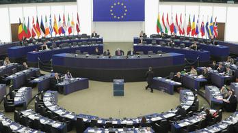 A Fidesz EP-képviselői támogatják a vakcinaigazolás bevezetését