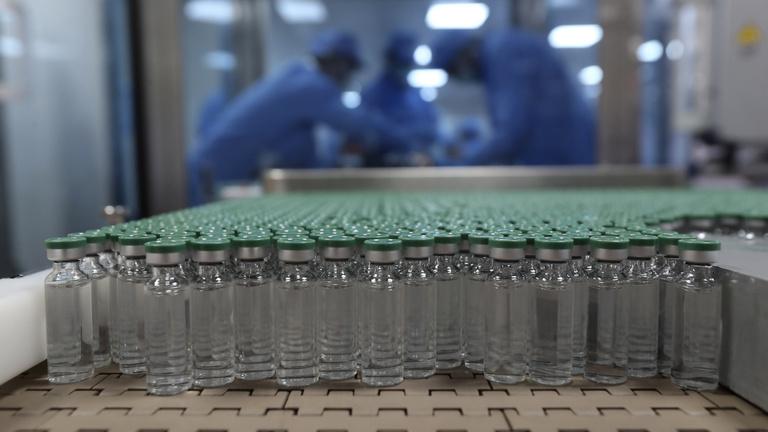 Az amerikaiak állják a világ vakcinafejlesztésének a javát