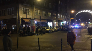 Rendőrök vonultak egy Madách téri kocsma elé, 60 napra bezárták