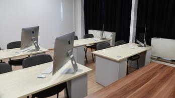 Online oktatással indulnak az új félévek a felsőoktatásban