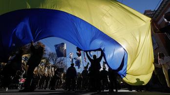 Lőfegyverekhez juthatnak az ukrán állampolgárok