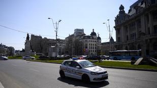 Románia: a diákok fele visszatérhet az iskolapadba