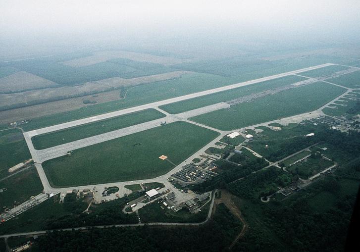 A taszári légi bázis 1995. május 21-én
