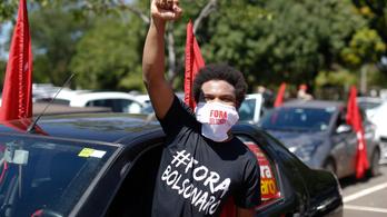 Több ezer fős tüntetéseken követelték Jair Bolsonaro elmozdítását Brazíliában