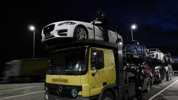 Olaszországban körözött sportautót foglaltak le a magyar határon