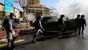 Kődobálás és lángoló busz: ultraortodoxok tiltakoznak Izraelben