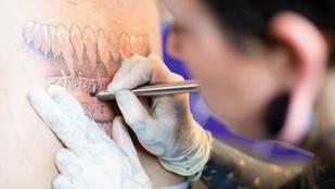 Menő a maradi: újra hódít a handpoke tetoválás