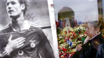 A pályán állt meg a szíve a legendás magyar labdarúgónak