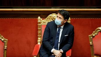 A kormány élén maradna, ezért lemond az olasz miniszterelnök