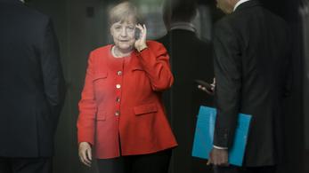 Angela Merkel meghívta Joe Bident