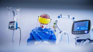 Félezer alatt a napi fertőzöttek száma, már majdnem 150 ezer embert beoltottak