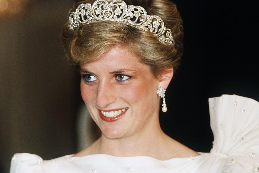 Ők Diana hercegnő gyönyörű unokahúgai: az ikrek a címlapon pózoltak