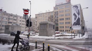 A behavazott Lengyelországban nyolcvanezren maradtak áram nélkül