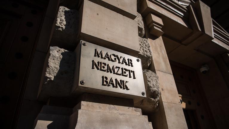 Döntött a kormány a hitelmoratórium fenntartásáról