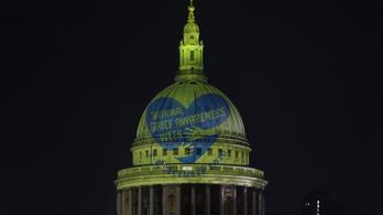 Egyesült Királyság: százezrek gyászolnak