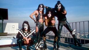 A Kiss zenekar neve tényleg a Sátán szolgáira utal? Vagy a csókra? Vagy a nácikra?