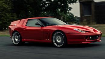 Ismét készült egy kombi-forma Ferrari