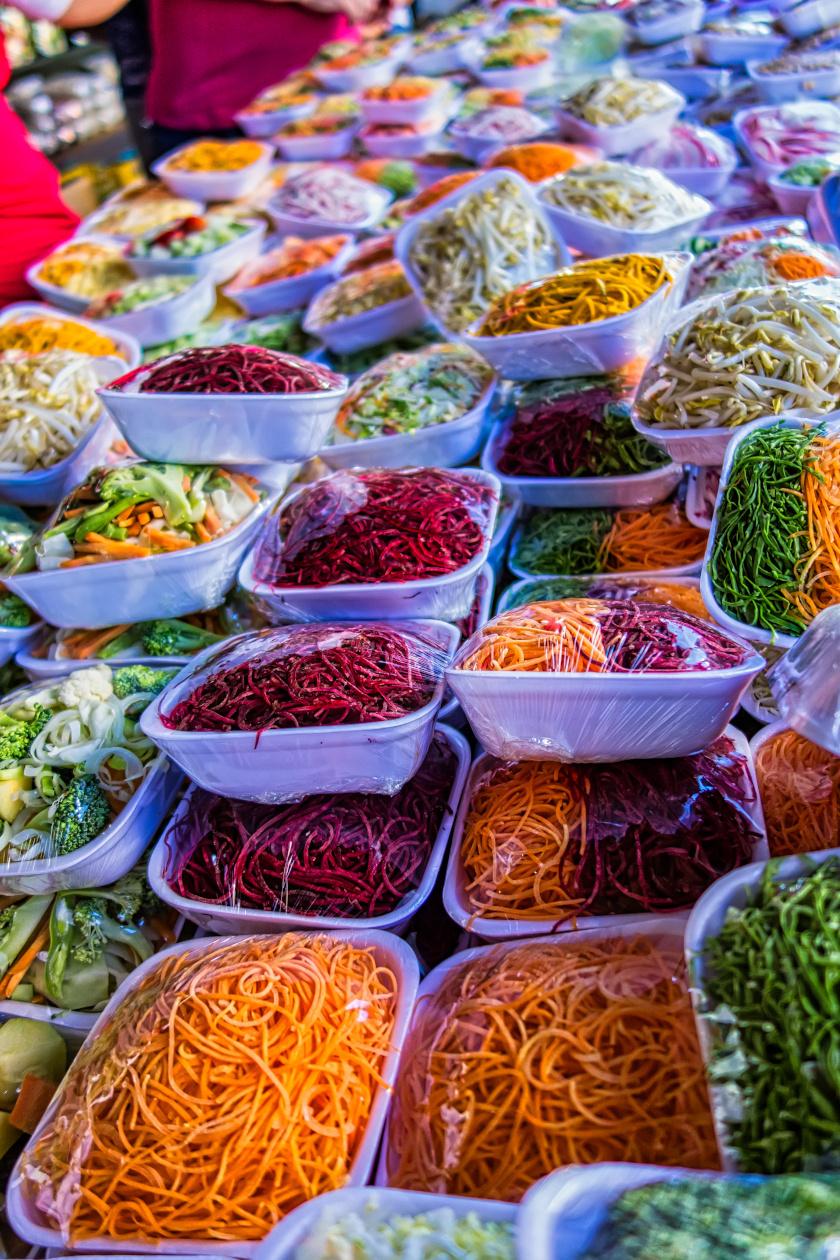 előre csomagolt zöldségek álló ok
