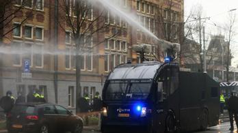 Holland tüntetések: a bezártság szülte a feszültséget