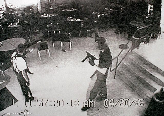 1999. április: Coloradóban két diák 13 társát ölte meg, megsebesítve további 23-at egy hatórás mészárlásban.