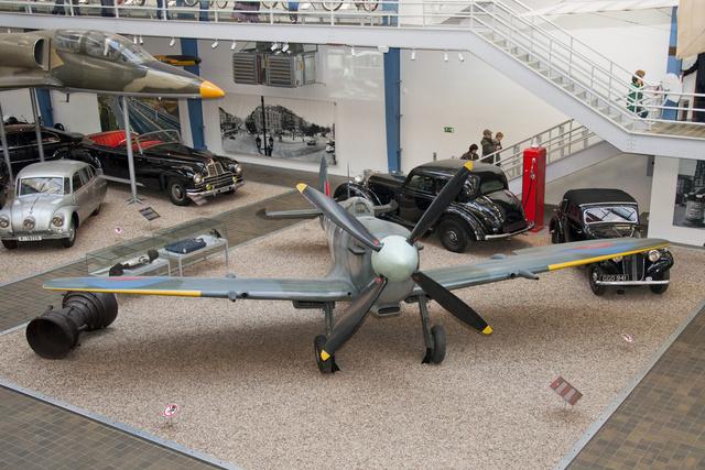 Supermarine Spitfire LF Mk.IXE - cseh pilóták repülték az angol légierőben. Ez Josef Koukalé volt