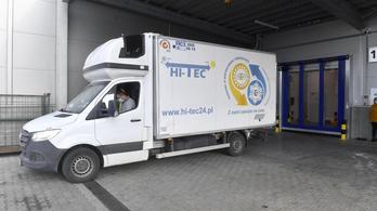 Megérkezett Magyarországra a vérplazmából készített, koronavírus elleni gyógyszer