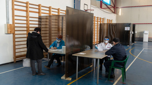 Romániában is gond a jogosulatlan oltakozás