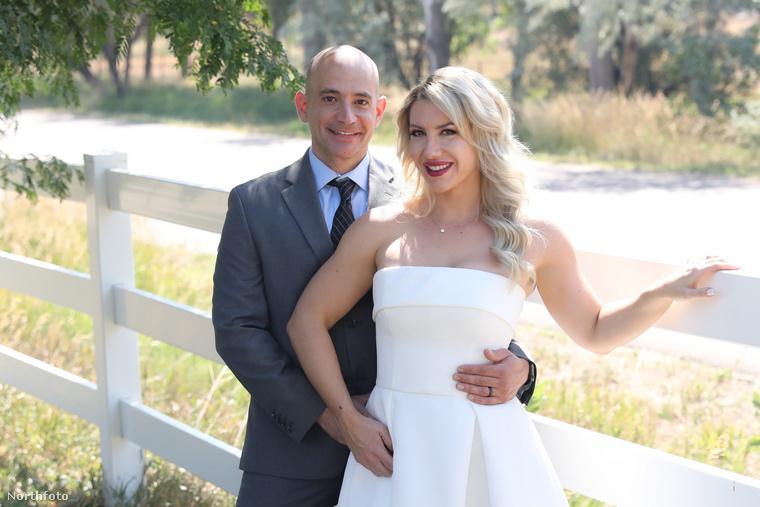 Bár régebben el se mert menni randikra, Sarah Doehler most már férjezett nő, ezen a képen házastársával, Markkal látható.