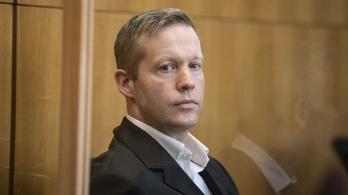 Életfogytiglanra ítélték a német politikust fejbe lövő szélsőségest