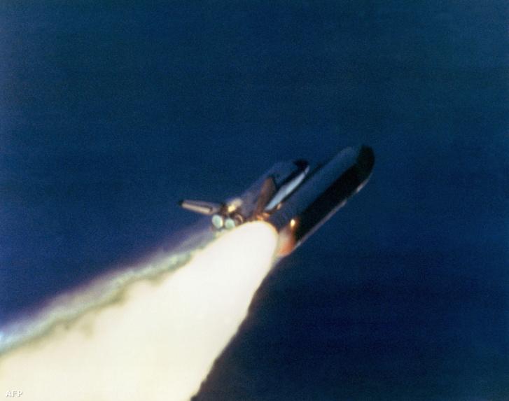 A Challenger űrrepülőgép néhány másodperccel a felrobbanása előtt