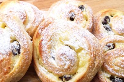 Omlós, vaníliapudingos csiga – A tészta is puha lesz a tölteléktől