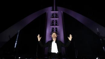 David Guetta a világ tetejéről koncertezik