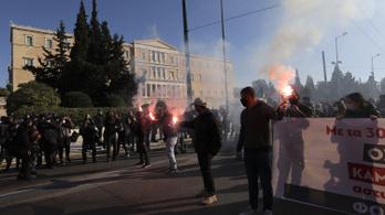 Diákok ezrei tüntettek a felsőoktatási törvény ellen Görögországban