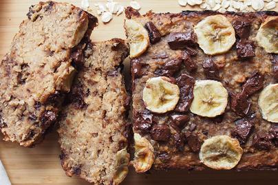 Mogyoróvajas banánkenyér 4 hozzávalóból, liszt nélkül: energiadús, tápláló reggeli