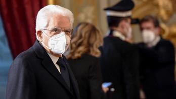 Folytatná a lemondott miniszterelnök, összefogna az olasz baloldallal