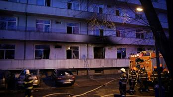 Bukarestben kigyulladt egy koronavírusos betegeket ápoló kórház