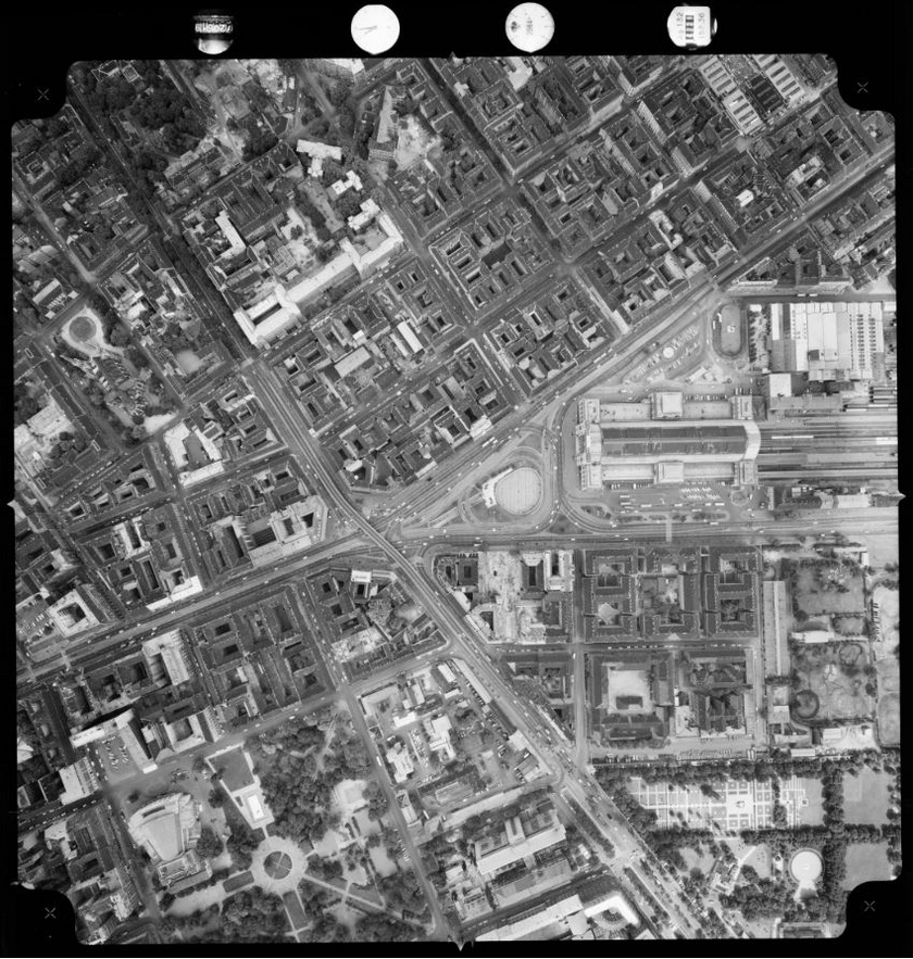 A budapesti Keleti pályaudvar és környéke 1972-ben.