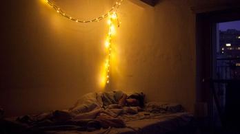 Telihold előtt kevesebbet alszunk