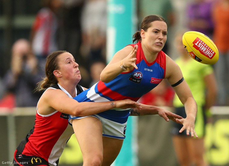 Az ausztrál foci a látványos szerelések sportja, a testi kontaktus ebben a játékban megengedett.