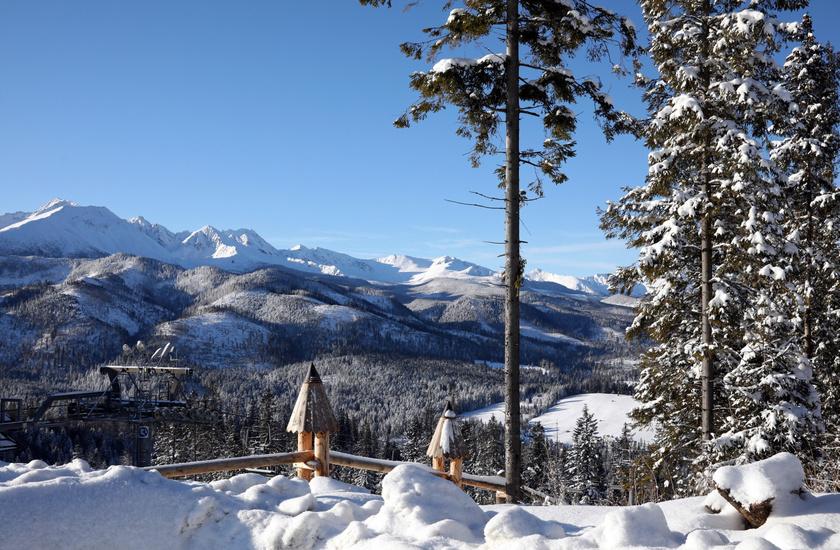 Lenyűgöző látványt nyújt a havas táj a Lengyel-Tátrában.