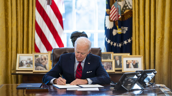 Joe Biden visszavonta Donald Trump egyik abortusztörvényét