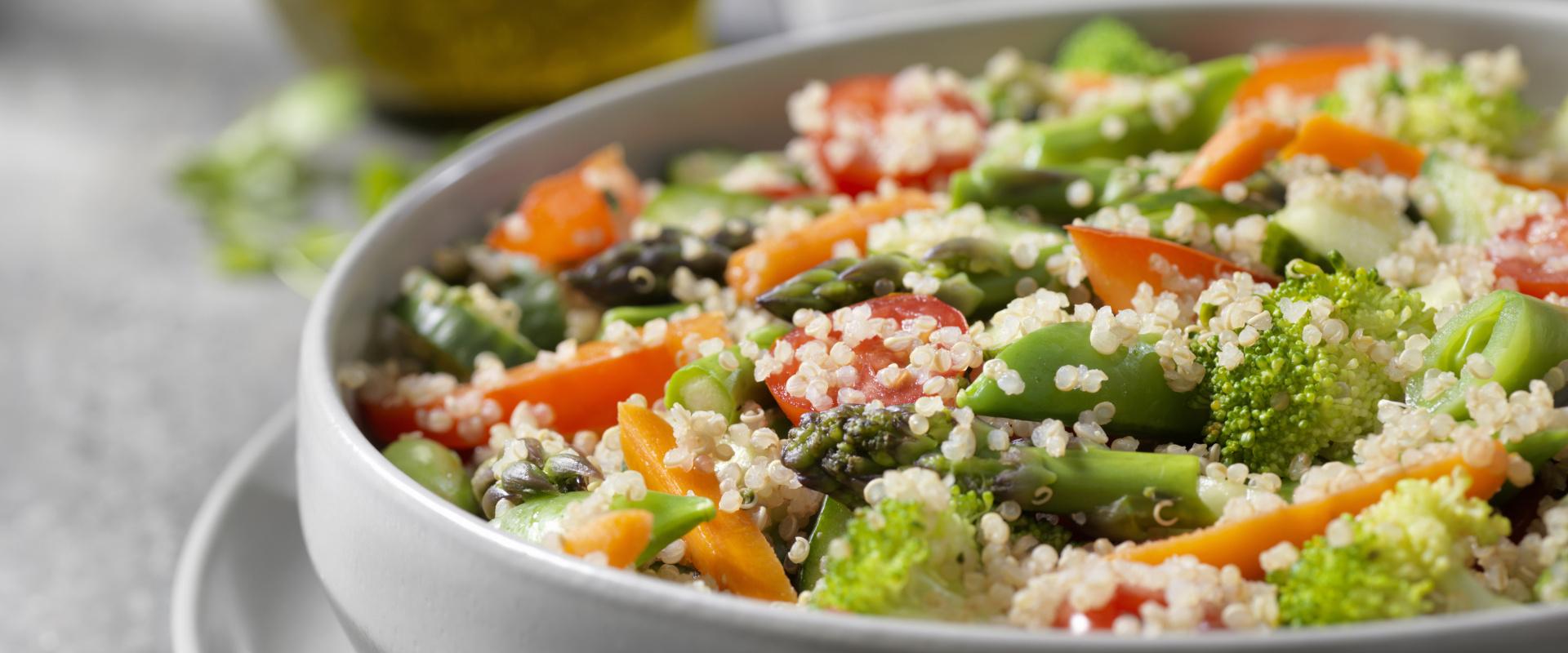 quinoa saláta répával cover