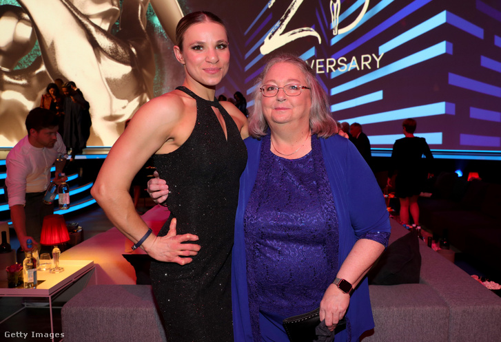 Oksana Masters az édesanyjával a 2020-as Laureus World Sports Awardson a Verti Music Hallban 2020. február 17-én