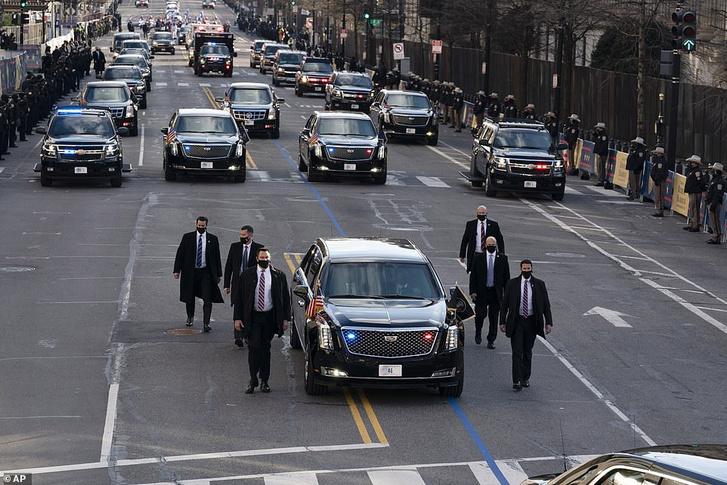 Biden a 46. elnök, a 46 rendszámú Stagecoach-ban elnöksége első napján