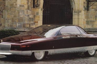 Cadillac Solitare, a Lotus tervezte V12-es motorral