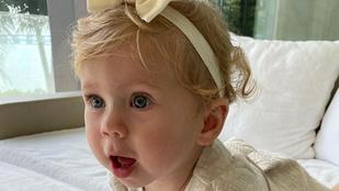 Anna Kournikova nagyon cuki fotót posztolt egyéves kislányáról